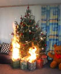 Weihnachtsbaum Explodiert.Feuerwehr Stammbach Gefahrenquelle Weihnachtsbaum